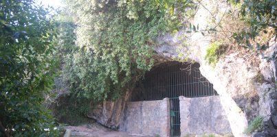 Cueva de Hornos de la Peña